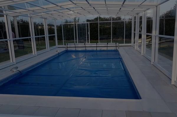 couverture-piscine-automatique-abris-haut-3-anglesmaroc